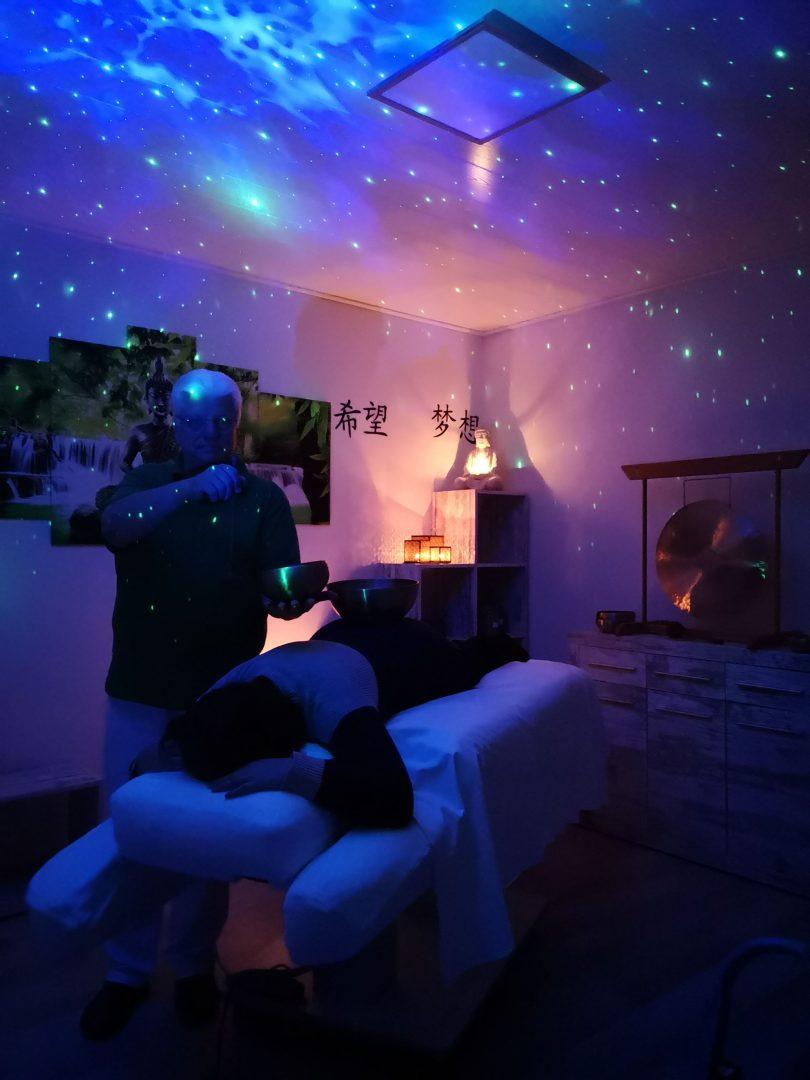 Klangschalen Massage unter Sternenhimmel